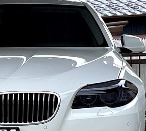 BMWのヘッドライトにスモークフィルム